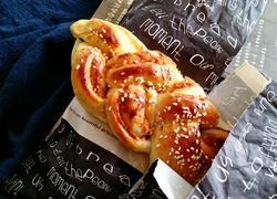 海苔肉松辫子面包