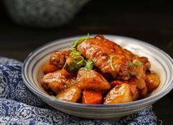 红烧鸡翅炖土豆