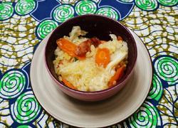 胡萝卜腊肠焖米饭