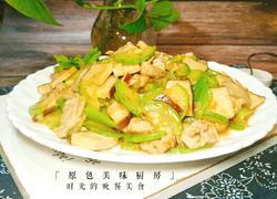 西葫芦熏豆腐干炒肉片