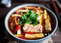 豆腐干炖腊鱼