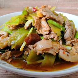 青笋炒肉的做法[图]