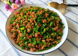 韭菜苔炒肉沫