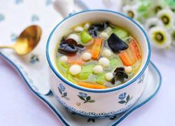 丝瓜木耳菌菇汤