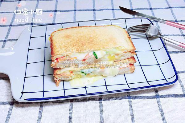 爆浆芝士蟹肉三明治(5分钟快手餐)