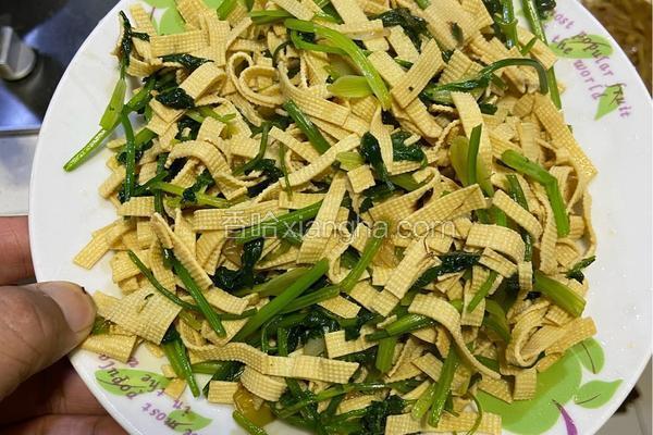 芫荽炒豆腐皮