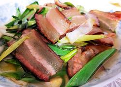 腊肉炒青蒜