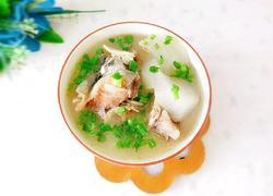 白萝卜鱼头汤