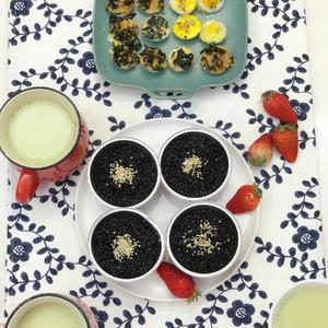 黑米盏+烤鹌鹑蛋+青瓜豆浆[图1]
