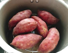 蒸几个小香薯🍠恰恰![图]