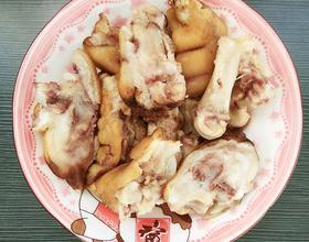 开饭了~猪蹄+鸡蛋炒辣椒+辣白菜[图]